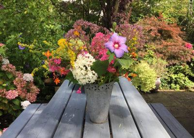 bloemetje op tafel