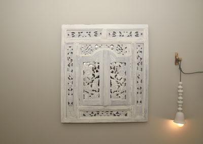 muur decoratie met lamp