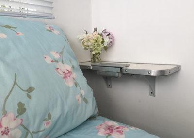 treintafel bij bed